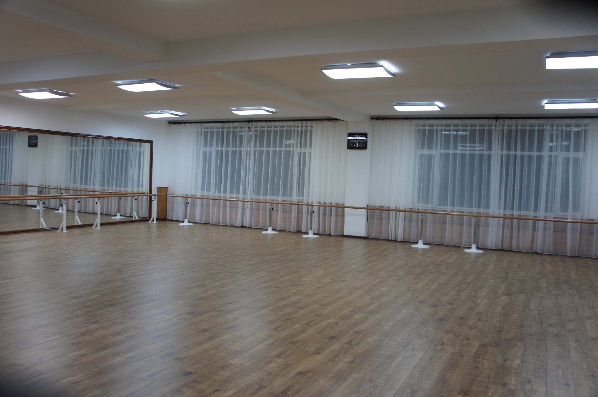 舞蹈教室 - 雅尔姿音乐舞蹈学校
